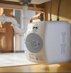 Používání ohřívače vody jim umožňuje mít horkou vodu v místě použití